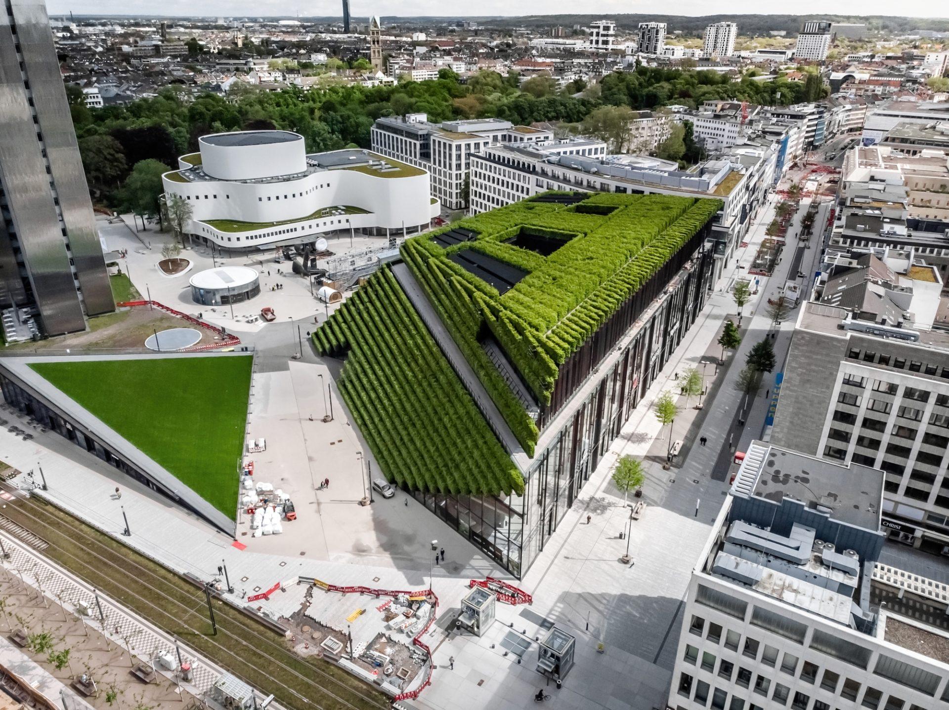 Das so genannte Ingenhoven-Tal des Kö-Bogen II - ein Projekt, das Uwe Reppegather mit seiner Firma Centrum baute. Foto:Andreas Endermann