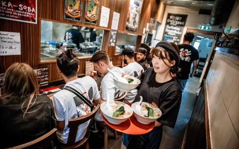 Sieht aus wie Japan, ist aber Düsseldorf. Ein Bild aus einem der japanischen Restaurants an der Immermannstraße. Andreas Endermann hat es vor der Corona-Pandemie aufgenommen.