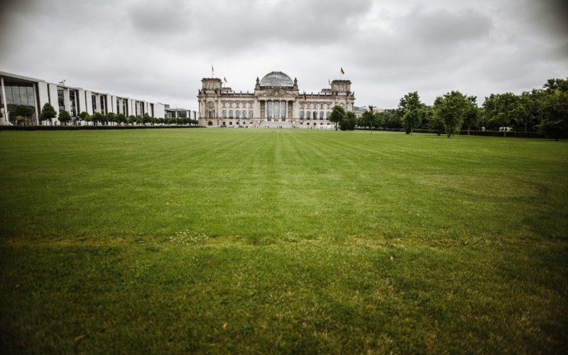 Unser Bild zeigt das Ziel der Bewerber für die beiden Düsseldorfer Direktwahlmandate: den Bundestag in Berlin. Foto: Andreas Endermann